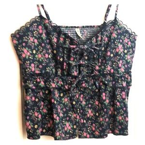 Free People tie front bows,flower, 🌺 & lace tank